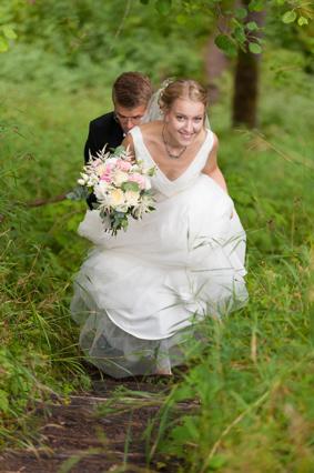 Ann&Thomas brudklänning och bukett