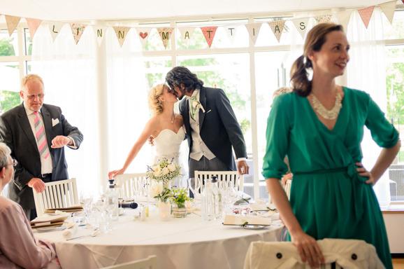Lokal, Linn & Mattias bröllop Fotograf: Malin Sydne