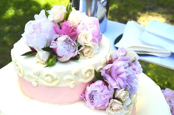 bröllopstårta lila