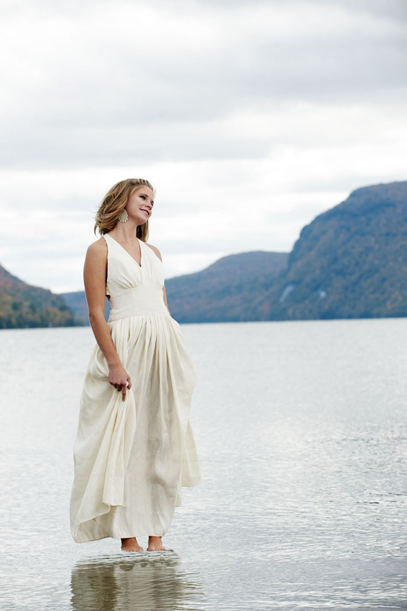 Ekologisk brudklänning från: TaraLynnStudio  Foto: Jay Ericson
