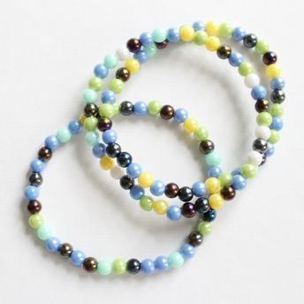 Barn armband - Blå, grönt, gula pärlor