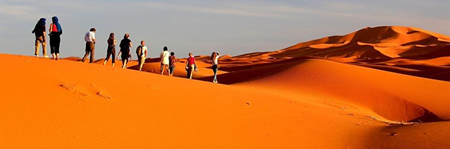 Upplev genuina Marocko. Vandra i Saharas sanddyner o njut den magiska tystnaden. Marockoresan har svensk guide och små grupper.