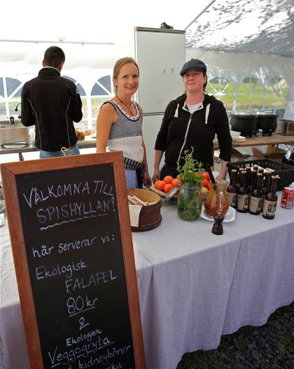 Spishyllan Bistro i Branäs fanns på plats och serverade god mat vid Berättarladan.