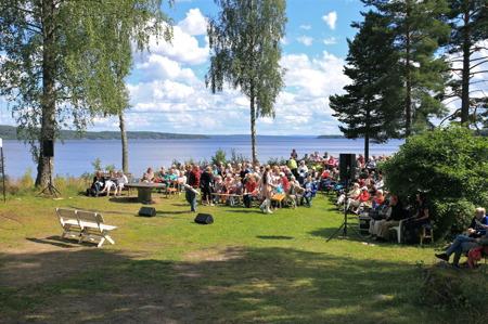 Scenen vid Älgåfjordens strand.