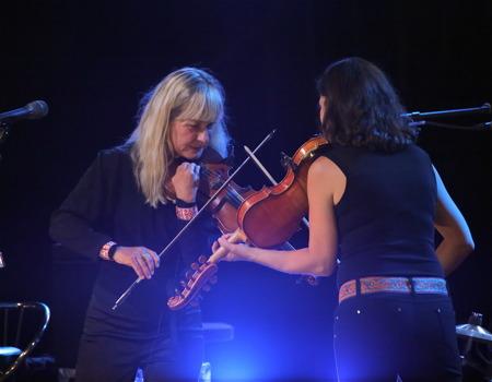 Duell - Lena Willemark och Sophia Stinnerbom.