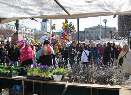 Påskmarknad på stora torget.