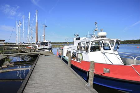 Luröbåten utgår från Ekenäs gästhamn.