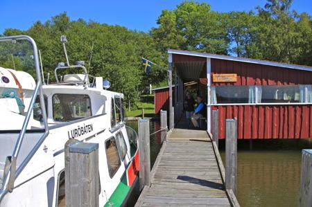 Luröbåten vid Luröbryggan.