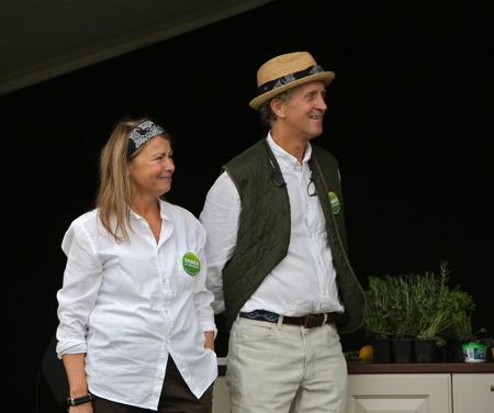 Mottagare av priset är Christina Jonsson-Lillienau och Knut Lillienausom driver Mässviks gård i Säffle kommunoch företaget Grön komed Café och Saluhall istationshuset i Värmlandsbro.