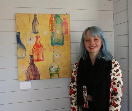 Gästutställare Erika Svensson från Geijerskolan i Ransäter.