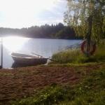 Roddbåt vid sjön