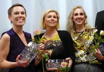 Tre glada vinnare: Linda Nordfors, Reflection Company, Johanna Hedegård, Tekniska museet och Maja Samuelsson, King.