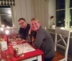 17.12 Anne-Carin och Robert på middag. Deras valp var uppskattad lekkompis till Zingo :)