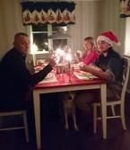 Julaftonsmiddag utan Sussie som fått vinterkräksjukan och blev kvar hemma. Tack