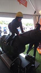 Även ett Galopplöp hann jag med att rida ! Två hästar i olika grenar i ett EM :) är det rekord på något sätt ??