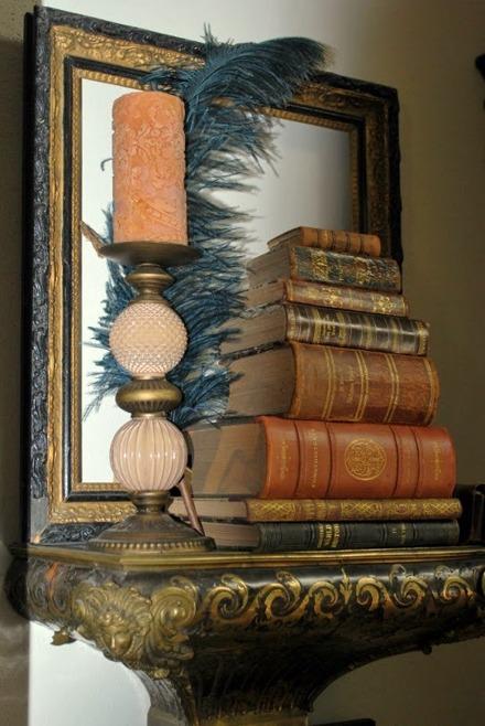 Gamla, vackra böcker måste inte stå i bokhyllan...