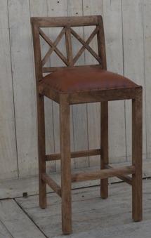 Barstol i trä och skinn