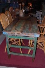 Matbord som kan fällas.