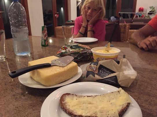 Mmmmm, lingongrova med svensk ost!