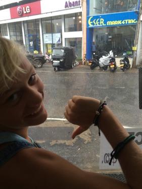 På jakt i regnet efter en Elsa...