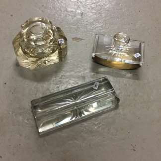 *SÅLD* Skrivbordsställ, kristall, 3 delar