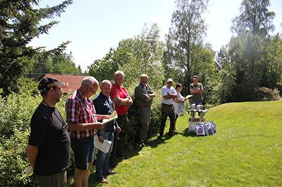Bildet med dommere fra venstre mot høyre: Rune Johansen, Svein Arild Josvanger, Helge Wahlstrøm, Frank Sivertsen, Geir Skoog og Kjell Erklev. Prøveleder Berit Seljåsen og Olav Seljåsen delte ut premier.