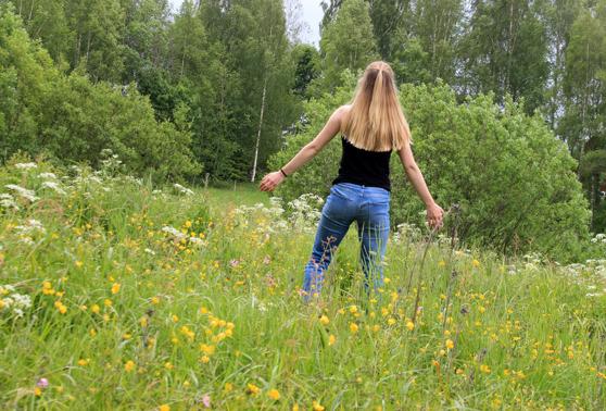 Värme, blommor, gröna träd, solnedgångar, grillning och skratt långt in på kvällarna. Sommaren är det man går och längtar efter hela vintern men kan också göra en besviken om vädret inte blir som tänkt.