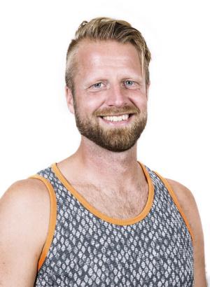 Yoga lärare Mikael Sjögren på HotYoga Helsingborg, Helsingborgs Yogacenter i Helsingborg