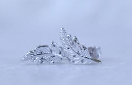 ÖRHÄNGE - Fjäder - Fjäder - Silver
