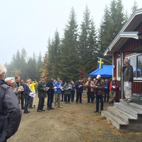 Pionjären Sune Linder tillsammans med kollegor och vänner på Flakaliden. Foto av Charlotta Erefur
