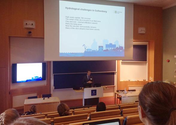 Keynote föreläsning av Henrik Kant på Dep. av hållbar avfallshantering och vatten, Göteborgs stad presentera hydrologiska  utmaningar i Göteborg.