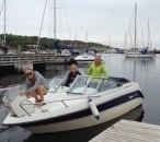 3 kvinnor i en båt
