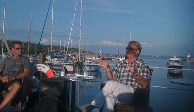 Med Grötvik hamns fantastiska bakgrund berättade Niklas Gudmundsson & Mats Jingblad insiktsfullt om dagens fotboll och dess allvarliga problem, sina respektive karriärer och avslöjade hur man passar till Zlatan!