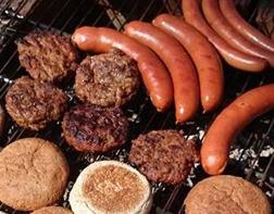 Grillkvällar i Våxtorp, Laholm. Vi grillar lammburgare, kolgrillat lammkött, racks, rev och lammkorvar.