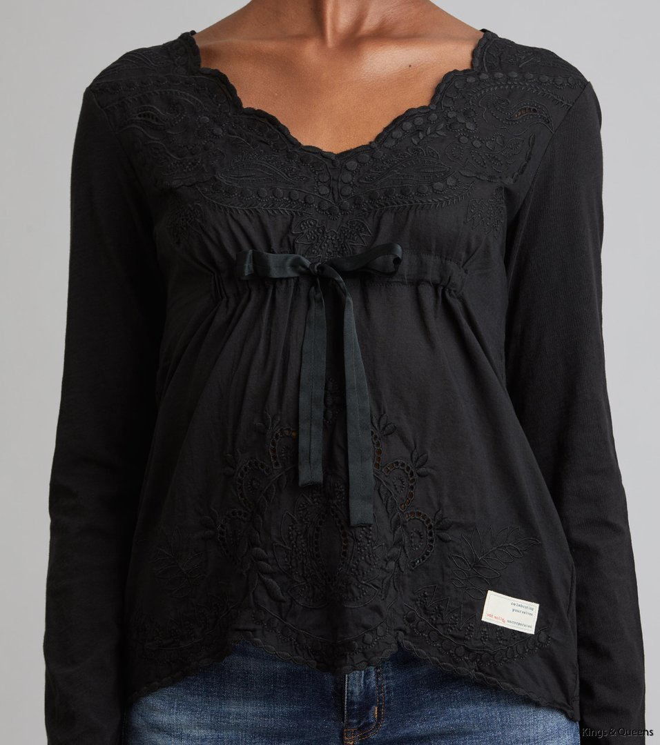 4113_0f34cc72a8-917m-973-oh-my-blouse-almost-black-detail