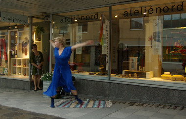 The dancer Fanny Kivimäki opens our first  Midnight Sun exhibition 2012