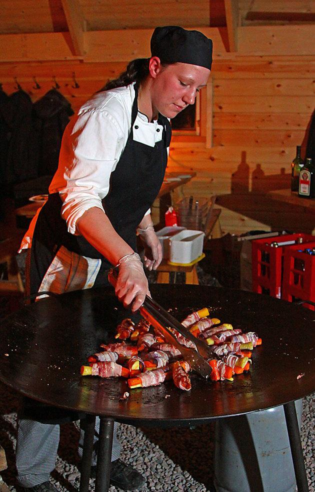 Kajsa normalt kock på Tallhöjden fixade en trerätters till gästerna som bestod av personal från bilprovningen