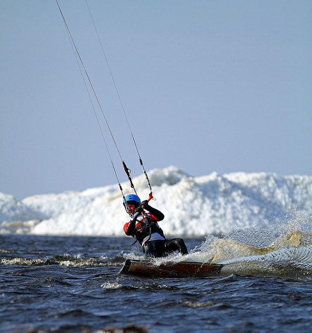 """Ett aktivitets porträtt som jag plåtade vid Lagans mynning i vintras. Öppet vatten vid mynningen men stora isvallar mot havet. Bilderna vandrade runt jorden och jag hade även bilderna publierade i """"Sailing Anarchy"""""""