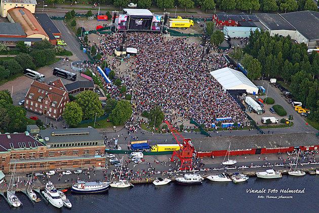 Slutligen flygbild över Gyllene Tiders konsert på kvällen och denna bild är publicerad i Dagens Hallandsposten. Sen var jag jäv....trött.d
