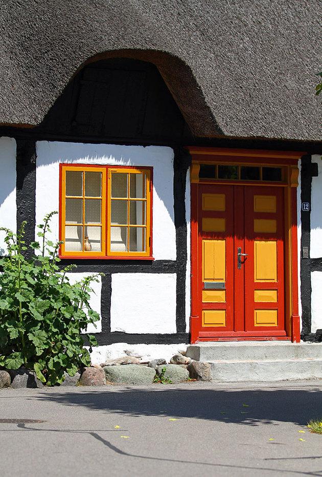 Husen i byn är i fint skick och det känns nästan som om tiden stått still när man rör sig på dom små gatorna
