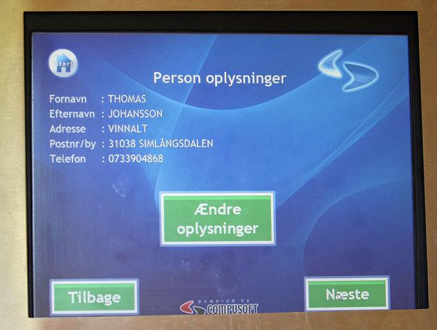 I Danmark betalar man hamnavgifterna i en kortautomat och man matar in en båtstorlek mm. Telefon numret vill dom åxå ha och vipps ligger alla data om mig på skärmen...lite väl kontrolerat i mitt tycke..