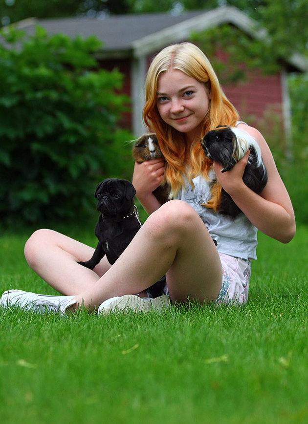 OK ett systerbarn i detta fall men det går väl inte och missa att hon älskar djur.....