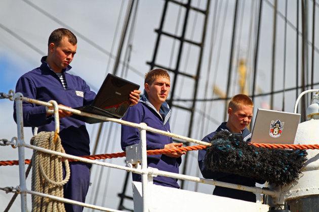 Dagens sjömän är uppkopplade på nätet...