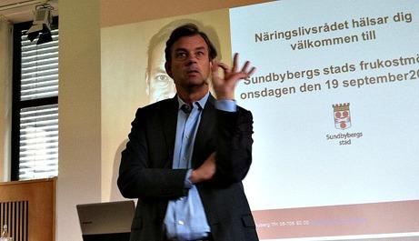 Michael Wolf är Swedbanks VD sedan 2009 och dessförinnan VD för Intrum Justitia. Född 1963. Civilekonom från Stockholms Universitet.