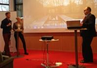 De ungas frågestund. Johanna Lundgren,th, och Patrick De Meijere. frågar LO-ordföranden.