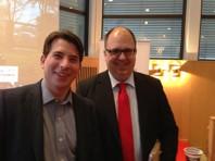 Glada styrelseordföranden Jonas Nygren (S) och LO-ordföranden Karl-Petter Thorwaldsson får avsluta årets frukostmöten, som bjudit intressanta och givande föredrag och medverkat till nya företagarrelationer. Näringslivschefen Sharif Pakzad och Folke Häggblom är att tacka för detta!