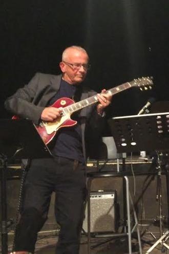 Uno Karlén, gitarr