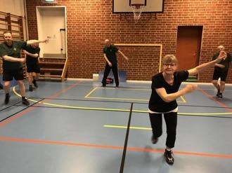Håll igång grabbar! Margareta Hellerström kör hårt.