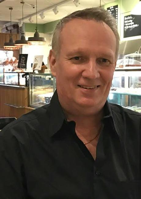 Gary Aelius, SD - Ledamot i kommunfullmäktige och SDs gruppledare där, Ledamot i Kommunstyrelsen/Krisledningsnämnden; nämndeman i Solna tingsrätt.
