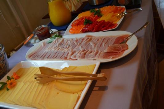 Underbar ost, skinka, grönsaker---